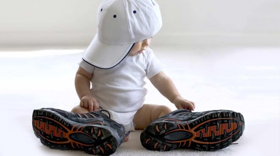 Neonati, come scegliere le scarpe adatte